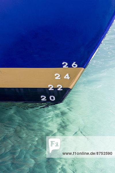 Paragraphenzeichen  Schiff  streichen  streicht  streichend  anstreichen  anstreichend  Kingston upon Hull  tief