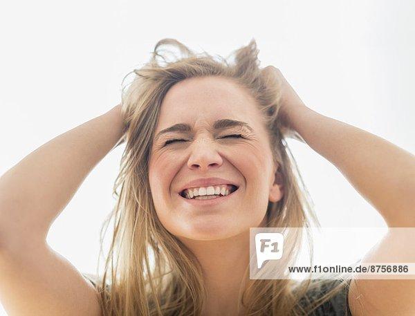 Frau  Enttäuschung  ziehen  Haar