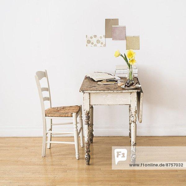 Schreibtisch  Stuhl  Zimmer  alt