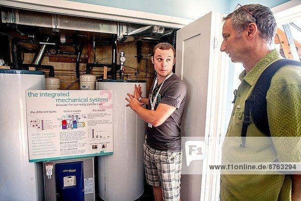 Feuerwehr Energie energiegeladen Vereinigte Staaten von Amerika USA Wettbewerb Wohnhaus Kalifornien Forschung Globalisierung Sonnenenergie Effizienz Stärke Kanada