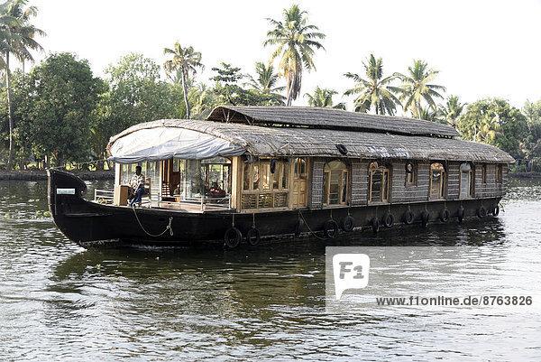 Hausboot  backwaters  bei Alappuzha  Kerala  Südindien  Indien