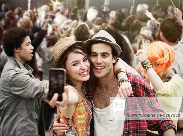 Selbstporträt eines Paares beim Musikfestival