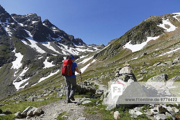 Österreich  Vorarlberg  Frauenwandern am Grafierjoch und Schafberg