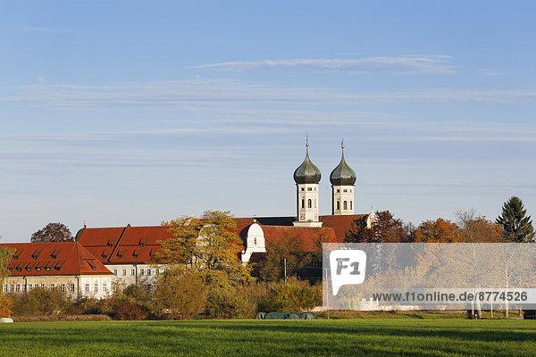 Deutschland,  Bayern,  Blick auf Kloster Benediktbeuren