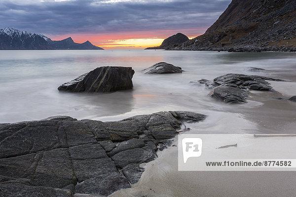 Scandinavia  Norway  Lofoten  sundown at the coastline of Utakleiv
