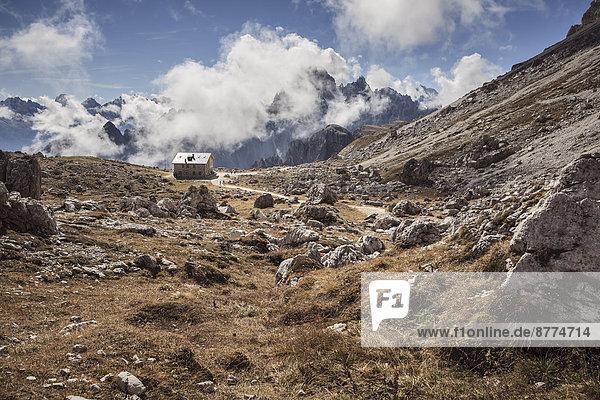 Italien  Dolomiten  Berghütte bei Tre Cime di Lavaredo