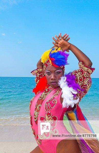 Wasser  Schönheit  Strand  Ozean  Tänzer  blau  Kostüm - Faschingskostüm  Trinidad und Tobago  Kuba