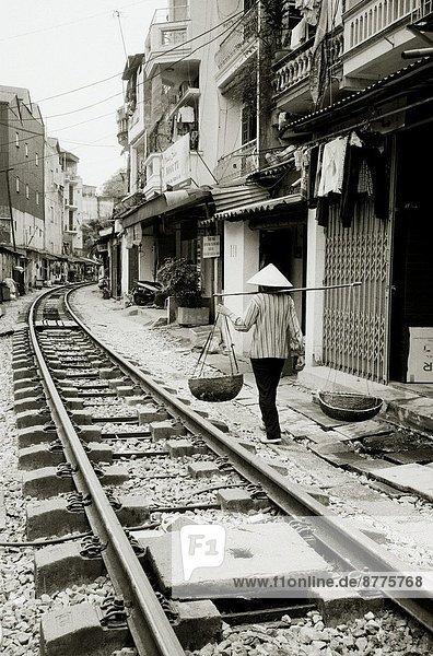 Hanoi  Hauptstadt  Lifestyle  täglich  Zug  Vietnam