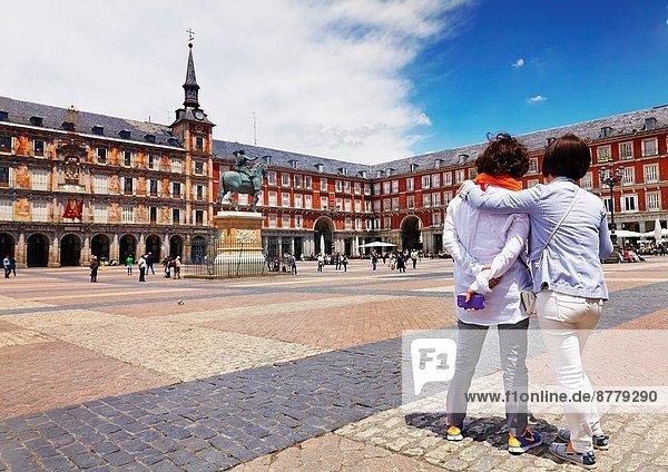 Madrid  Hauptstadt  Frau  Tagesausflug  Stadtplatz  2  Bürgermeister  Spanien