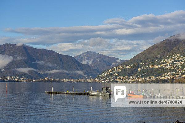 Europa Berg Wolke Himmel See Kai blau Langensee Lago Maggiore Locarno Schweiz