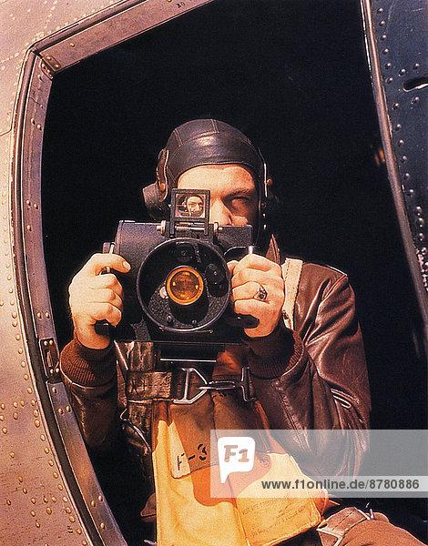 Großbritannien  Teamwork  Geschichte  Krieg  Fotoapparat  Kamera  Fotograf  eindringen  Fernsehantenne  Juni  Zweiter Weltkrieg  II.