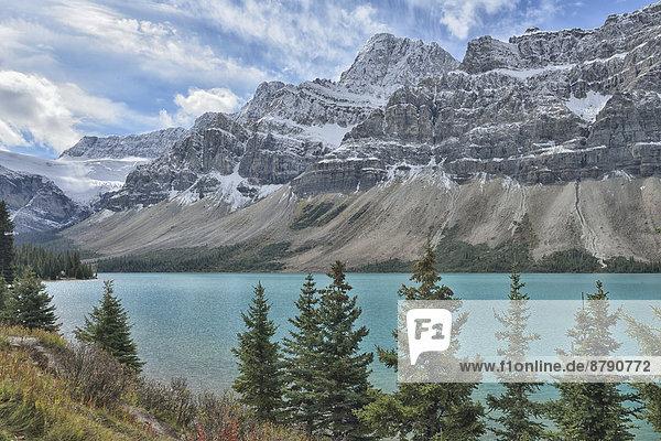 Nationalpark  Berg  Landschaft  niemand  See  Landschaftlich schön  landschaftlich reizvoll  Natur  Herbst  Nordamerika  UNESCO-Welterbe  Rocky Mountains  Columbia-Eisfeld  Columbia Icefield  Alberta  Banff  Kanada