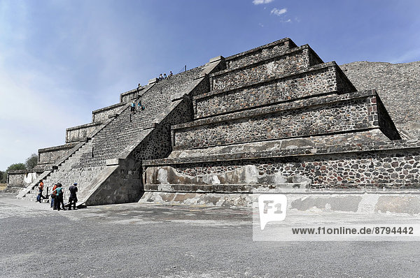 Pyramid of the Moon  Pyramids of Teotihuacan  UNESCO World Heritage Site  Teotihuacan  State of Mexico  Mexico