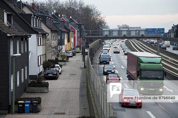 Stadt Autobahn Essen Stadt Deutschland Nordrhein-Westfalen Ruhrgebiet Nordrhein-Westfalen