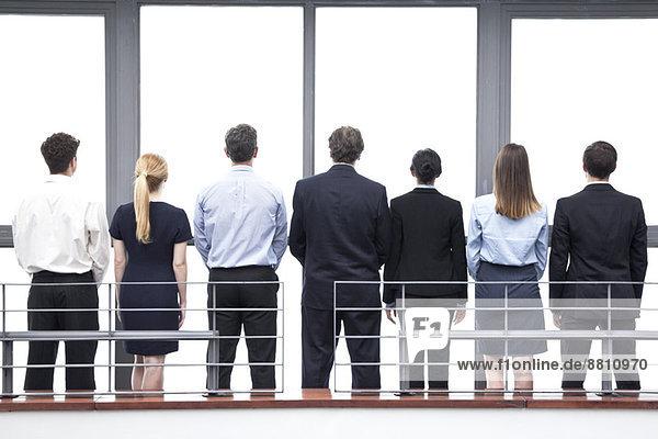 Team von Geschäftsleuten  Rückansicht