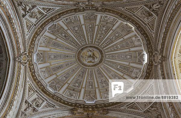 Decke in der Kapelle Capilla Mayor in der Mezquita  Córdoba  Andalusien  Spanien
