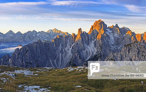 Cadinspitzen im ersten Morgenlicht  Südtirol  Italien