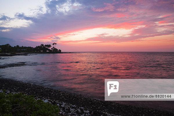 Sonnenuntergang an der Kohala Coast  Big Island  Hawaii  Vereinigte Staaten