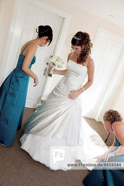 Braut  Hochzeit  gehen  ankommen  Gang  sortieren  Kleid