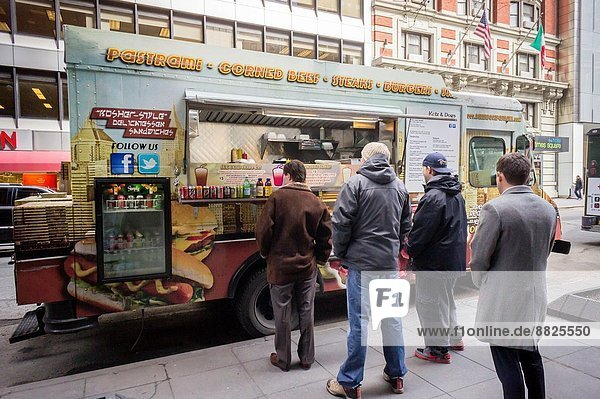 The Katz & Dogz food truck  serving Kosher-style delicatessen parked in Midtown Manhattan in New York. The iconic Katz´s Delicatessen on the Lower East Side is suing the owners of the food truck for trademark infringement. Katz´s Deli opened in 1888 and is famous for the orgasm scene in the film ´´When Harry Met Sally´´…. as well as its delicatessen cuisine. Katz & Dogz promotes its ´´Reuben Orgasm´´ sandwich  a reference to the scene in Katz´s. The owners of Katz & Dogz previously ran Adelman´s Deli in Brooklyn and have a food cart in addition to the truck.