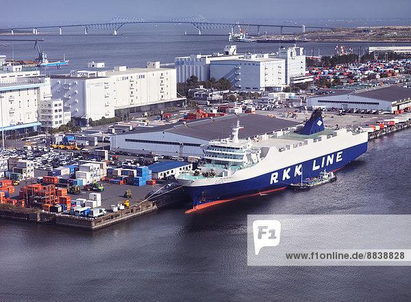 Frachtschiff Wakanatsu der Ro-Ro RKK Reederei  angedockt im Hafen  Odaiba  Tokio  Japan