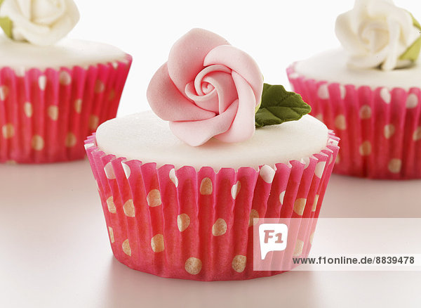 weiß  Eis  Dekoration  Tasche  Kuchen  pink  Zucker  Rose  3  1  Vollkommenheit  cupcake  Handwerk  Punkt