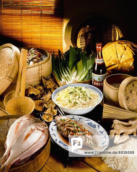 Fisch  Pisces  chinesisch  Reis  Reiskorn  Sortiment  Essgeschirr