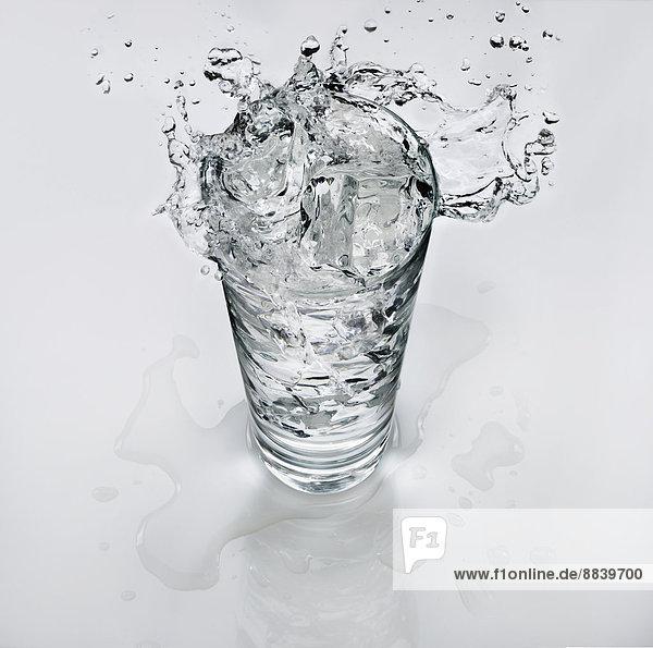 Wasser  Glas  Eis