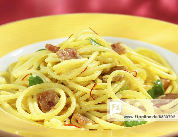 Teller  Spaghetti  Safran  selbstgemacht