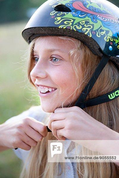 lächeln  radfahren  Mädchen  Helm  Schweden