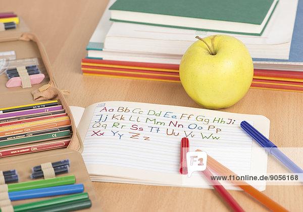 Arrangement zum Schulanfang