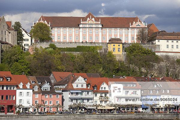 Seeuferpromenade und Neues Schloss  Meersburg  Bodensee  Baden-Württemberg  Deutschland
