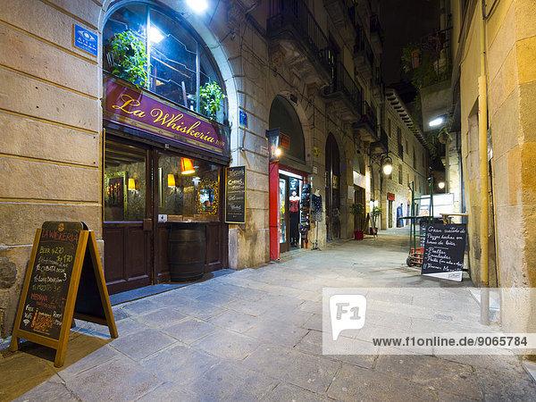 Side street of the Rambla de Catalunya with bars and restaurants  Barcelona  ??Catalonia  Spain