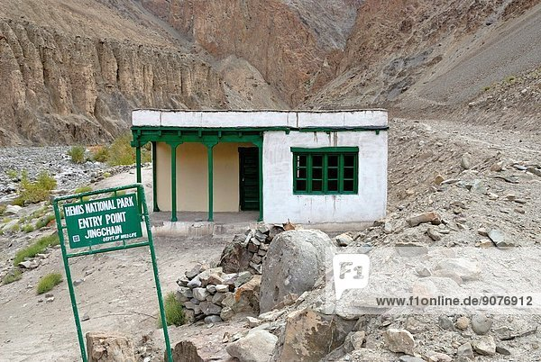entry point of Hemis National Park  Zingchen gorge    Ladakh region  state of Jammu and Kashmir  India  Asia