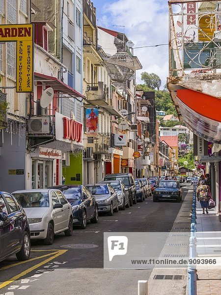 Karibik  Antillen  Kleine Antillen  Martinique  Fort-de-France  Rue Garnier Pages  Einkaufsstraße