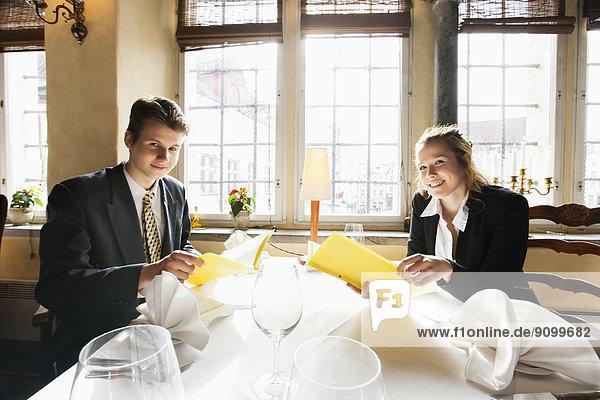 Portrait  lächeln  Restaurant  Tisch  Business