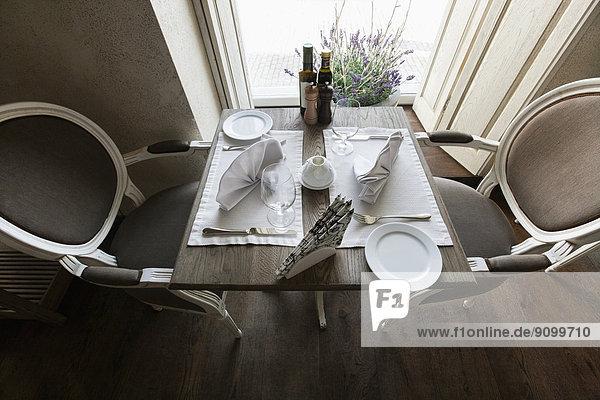 hoch  oben  Restaurant  arrangieren  Ansicht  Flachwinkelansicht  Tisch  Winkel