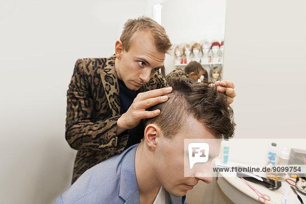 Fachleute  Laden  Friseur  Untersuchung