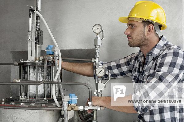 Industrie  arbeiten  Maschine  jung  Untersuchung