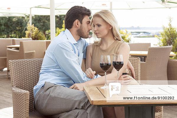 Restaurant  Zeit  jung  Geld ausgeben  Außenaufnahme  Zeit verbringen  Qualität  Romantik