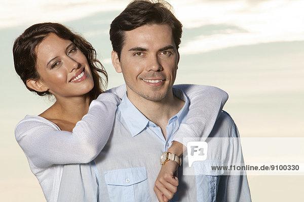 Zusammenhalt  Portrait  Liebe  lächeln  Strand