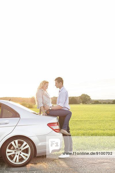 Ländliches Motiv  ländliche Motive  Auto  Ansicht  jung  Länge  Seitenansicht  voll  Romantik