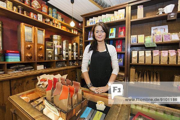 Portrait  arbeiten  Laden  Kaffee  Verkäufer