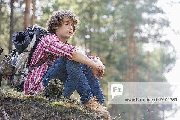 Entspannung  Steilküste  Wald  Rucksackurlaub  Länge  Nachdenklichkeit  voll
