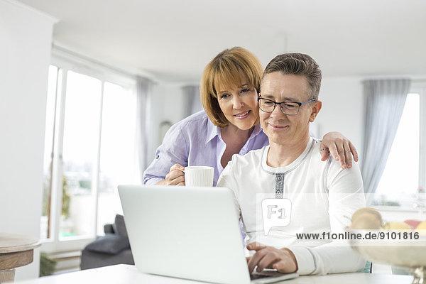 Interior  zu Hause  Zusammenhalt  benutzen  Notebook  Liebe