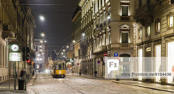 Tram  Via Manzoni  Mailand  Lombardei  Italien