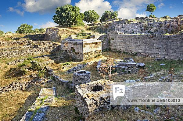 Mauern und Überreste von Gebäuden  archäologische Stätte  antike Stadt Troja  Tevfikiye  Provinz Çanakkale  Türkei