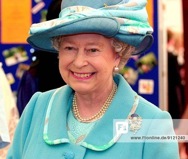 ankommen  Quadrat  Quadrate  quadratisch  quadratisches  quadratischer  Königin  Glasgow