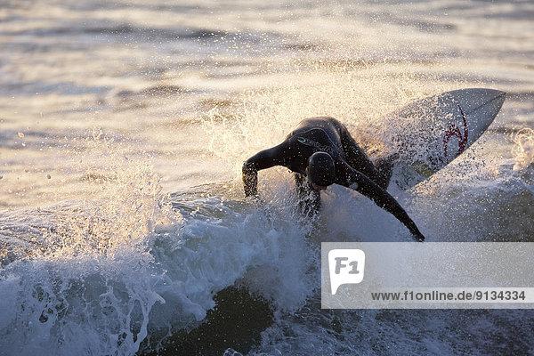zerreißen Kopfbedeckung Tofino British Columbia Bucht British Columbia Kanada Vancouver Island Wasserwelle Welle