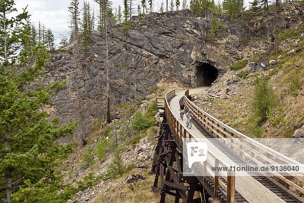 folgen  radfahren  Tal  Zug  jung  Kanada  Schlucht  Wasserkocher  Myra